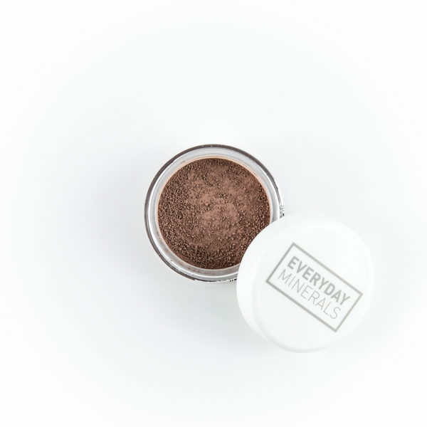 Everyday Minerals She's Love -luomiväri